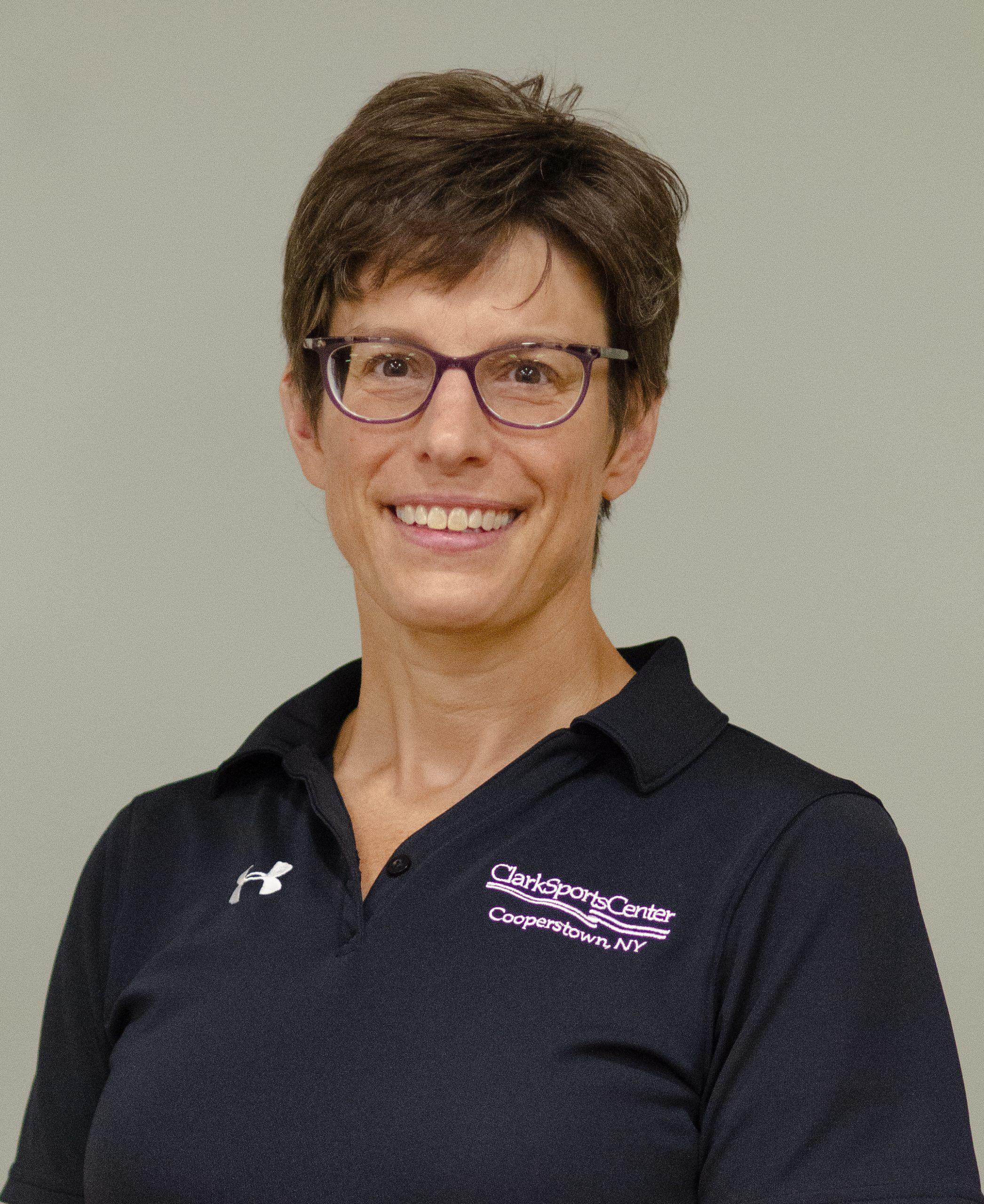 Lara Hurysz (Customer Service)